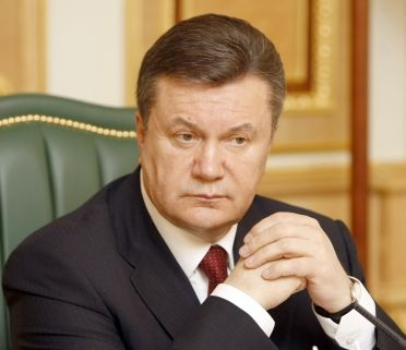 Yanukovych asks prosecutor general to find way to free Kyiv protesters guilty of petty crimes today